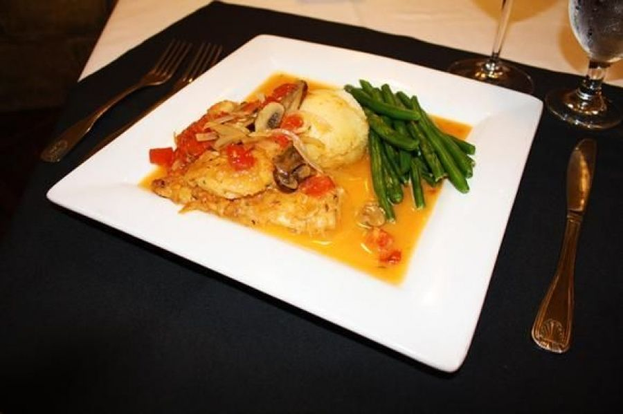 Chicken Scaloppine Marengo – Café Venice
